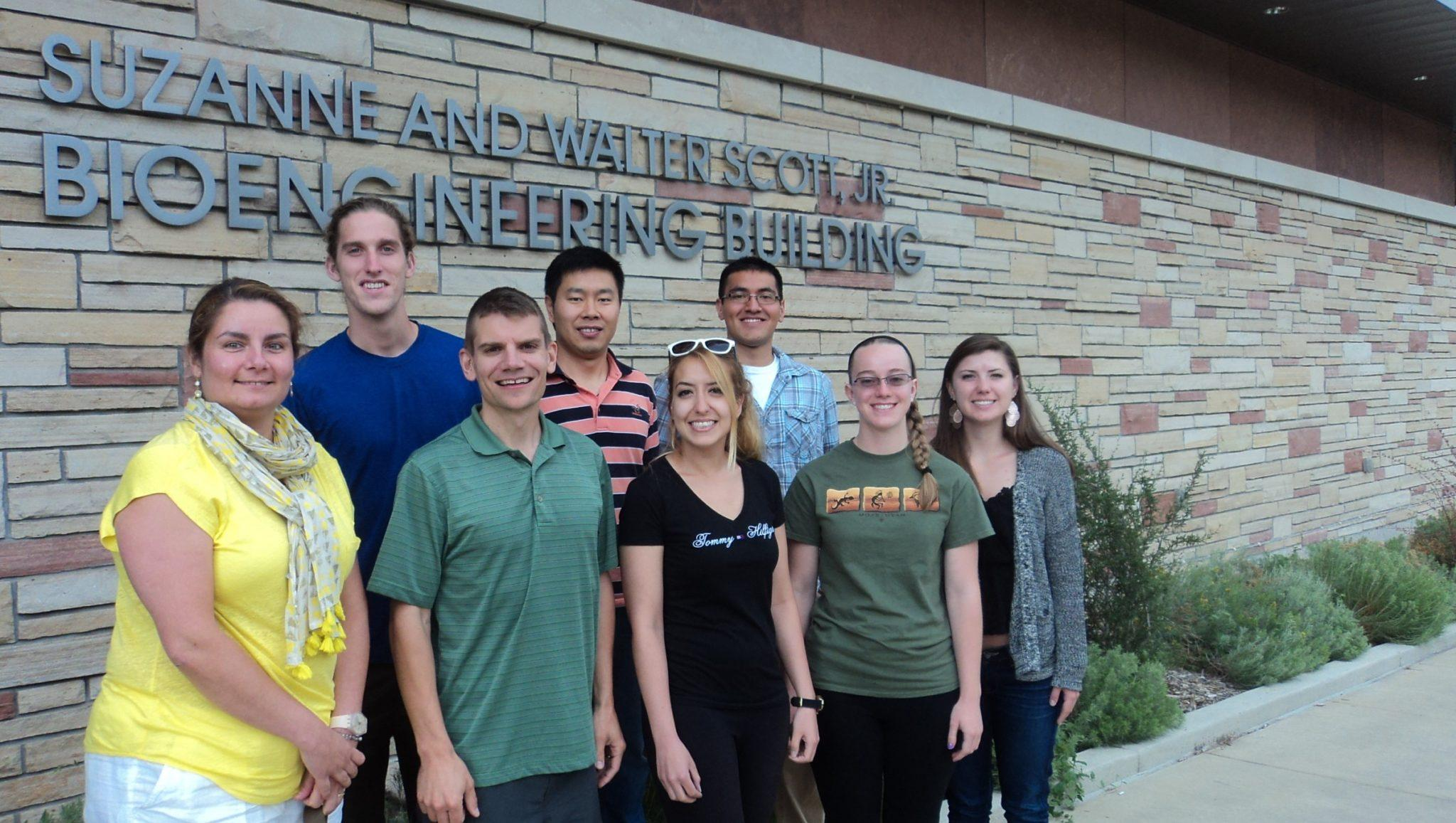The Kipper research group poses in front of the Scott Bioengineering Building at Colorado State (2015).